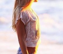 Inspiring image -, awesome, beach, beach life, beautiful, bikini, cool, cool pics, fun, girl, hip, hot, hypster, nice, ocean, paradise, pretty, sand, summer, summertime, sun, surf, teen, teenager, young #736962 - Resolution 420x640px - Find the image to your taste
