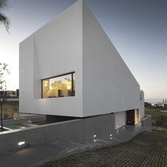 Minimal-Design-Property-Lisbon-10-909x910.jpg 909×910 píxeles