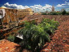 En la actualidad, Cartagena aún conserva su arquitectura colonial.