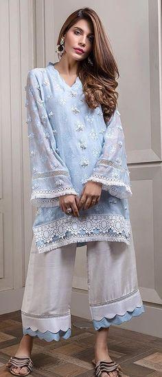 Bottom pattern Kurta Designs Women, Salwar Designs, Kurti Designs Party Wear, Blouse Designs, Pakistani Fashion Casual, Pakistani Dresses Casual, Pakistani Dress Design, Trendy Dresses, Simple Dresses