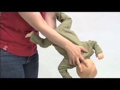 * Verslikking bij een baby (filmpje) First Aid Tips, Nursing, Album, School, Health, Youtube, Baby, Foreign Language, Health Care