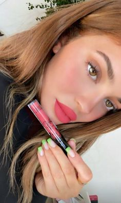 Kylie Jenner Lipstick, Kylie Jenner Face, Kylie Jenner Daily, Kylie K, Kylie Lips, Kylie Lip Kit, Jenner Hair, Kendall Jenner, Mac Brave