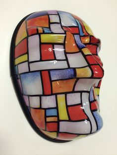 Vacuum formed mask - Digital print on the Canon Océ Arizona flatbed system with Sign-Tronic inks