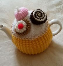 KNITTED TEA COSY CAKES 3 A DAY LARGE POT SIZE