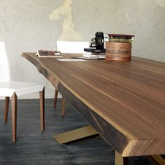 Prawdziwy twardziel #natural #wood #solid #table #internoitaliano #cattelanitalia #diningroom