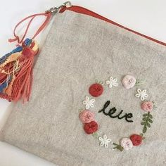 Amazing Embroidery Designs features amazing works of embroidery and recommends embroidery tools to make your creative embroidery designs become reality. Embroidery Purse, Hand Embroidery Flowers, Flower Embroidery Designs, Hand Embroidery Stitches, Embroidery Fashion, Embroidery Hoop Art, Cross Stitch Embroidery, Brazilian Embroidery, Sewing Art