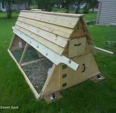 DIY {Backyard Chicken Coop} for only {$250!}
