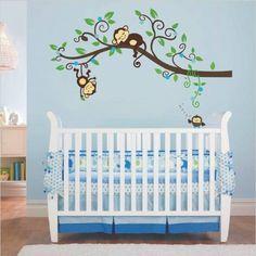Muursticker tak met aapjes en uiltje jongen<br /> Deze boom met uiltjes en vogeltjes staat mooi op de kinderkamer of babykamer.