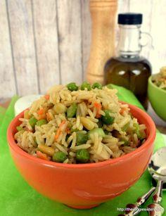 Ρύζι μπασμάτι με λαχανικά - Basmati rice with veggies Fried Rice, Pasta Salad, Grains, Food And Drink, Veggies, Chinese, Diet, Vegan, Ethnic Recipes