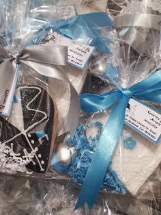 #wedding sweet treats and favors cookies, cake pops, cupcakes, gift boxes by Crafts & Treats Corner by Xenia Like page on Facebook