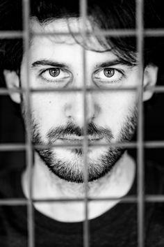 Manchmal braucht es nicht viel für ein spannendes Portrait. Eine Tiefgarage bietet eine Fülle an Möglichkeiten.   Wenn dich die Fotos neugierig machen, schau doch mal auf www.hanspeterhassler.ch vorbei.  #porträt #portrait #blackandwhite #monochrome #model #shooting #bw #bnw #schwarzweiss #eyes #500px #portraitsmadeinswitzerland #photooftheday #instaart #instadaily #photoshoot #picoftheday #bestoftheday #swissportraitmag #portraitspassion #swissmodel #portrait_wizard Model Shooting, Models, Lee Jeffries, Pictures, Underground Garage, Monochrome, Templates, Model, Girl Models