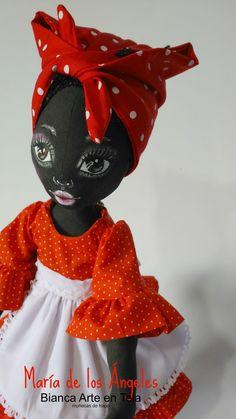 Lo admito, no es fácil, el diseñar  una muñequita negrita!!!