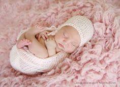 shoptaopan.com has Baby Knit Sack and Bonnet Photographers by Ana Brandt