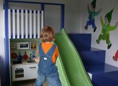 Jongen in jurk; wat als je zoon graag jurkjes draagt? Maak jij je daar druk om? Anne krijgt nogal duidelijk 'advies' van anderen, waar ze het zelf niet mee eens is. http://www.mamsatwork.nl/jongen-in-jurk/
