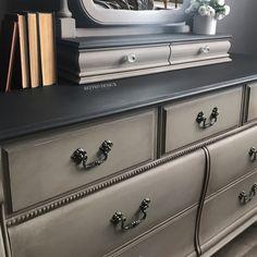 Antique Bedroom Furniture Decor Annie Sloan Ideas For 2019 Antique Bedroom Furniture, Bedroom Furniture Makeover, Refurbished Furniture, Bedroom Vintage, Vintage Furniture, Furniture Decor, Furniture Design, Furniture Dolly, Furniture Online