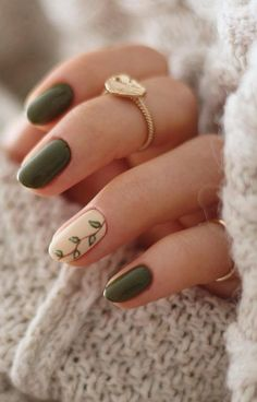 Sep 2019 - Beste Winter Nail Art Ideen 2019 Seite 5 von 63 – Nageldesign – Nail Art – Nagellack – Nail Polish – Nailart – Nails, You can collect images you discovered organize them, add your own ideas to your collections and share with other people. Nail Design Spring, Fall Nail Art Designs, Green Nail Designs, Accent Nail Designs, Diy Nail Designs, Nail Designs For Winter, Nails Design Autumn, Cute Simple Nail Designs, Gel Manicure Designs