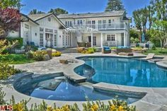 7 Celeb Homes Perfect for a Poolside Soiree