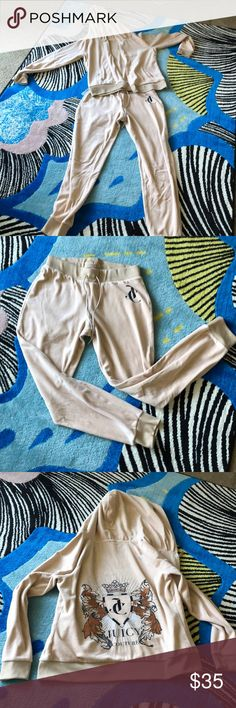 JUICY COUTURE SWEATSUIT Two piece juicy couture tracksuit bottoms are skinny joggers top is a hoodie..perfect for running around in Juicy Couture Other