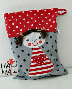 ♥ Dílna Hama ♥ : Pytle na cvičební úbor Patchwork Bags, Quilted Bag, Fabric Bags, Fabric Scraps, Felt Crafts, Diy And Crafts, Drawstring Bag Diy, Sewing Crafts, Sewing Projects