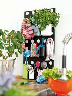 I think you are going to have fun checking out this little collection of Cute and Charming DIY Kitchen Organizing Ideas!