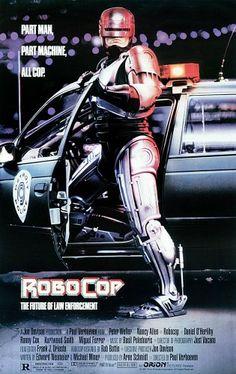 Paul Verhoeven is Nostradamus Naar aanleiding van de remake die vanaf donderdag draait, keken we de originele RoboCop (1987) nog eens. We schrokken hoe accuraat Verhoeven de toekomst voorspelde. Hij is Nostradamus en dat kunnen we bewijzen.