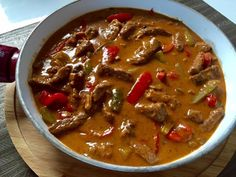 Imprezowe Hity! Ponad 30 pomysłów na przekąski, dania, sałatki i przystawki na przyjęcie :)) - Blog z apetytem Beef Recipes, Soup Recipes, Cooking Recipes, Healthy Recipes, Good Food, Yummy Food, Dinner Dishes, Food Design, Quick Easy Meals