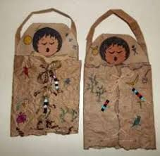 49 Excellent Native American Crafts to Make - Indian Crafts to Make - Native American Lessons, Native American Projects, American Indian Crafts, Native American Indians, Native American Games, Indiana, Paper Bag Crafts, Art Crafts, Nativity Crafts