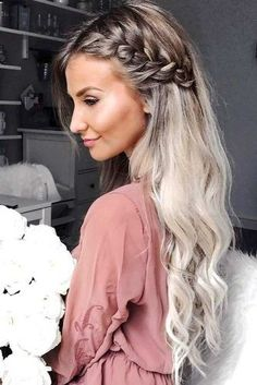 Wedding Hairstyles Medium Hair Messy and Beautiful Braids picture 6 - Find out which trends are in for side braid hairstyles this season. We will reveal all the beauty secrets. You wouldn't resist trying these ideas. Side Braid Hairstyles, Hairstyles 2018, Hairstyle Ideas, African Hairstyles, Hairstyle Braid, Hair Ideas, Medium Hairstyles, Hairdos, Simple Curled Hairstyles