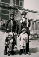 Famiglia italiana a Ellis Island, New York.