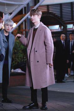 Nu Est Minhyun, Produce 101 Season 2, Normcore, Seasons, Coat, Jackets, Style, Fashion, Down Jackets
