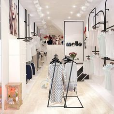 Clothes rack design furniture 62 Ideas for 2019 Showroom Interior Design, Boutique Interior Design, Boutique Decor, Fashion Retail Interior, Clothing Store Interior, Lingerie Store Design, Decoration Shop, Store Layout, Store Interiors