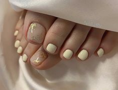 Gel Toe Nails, Acrylic Nails Nude, Aqua Nails, Cute Toe Nails, Feet Nails, Toe Nail Art, Gold Nails, Stylish Nails, Trendy Nails