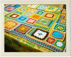 How to join granny squares of different sizes for an afghan. must learn to crochet