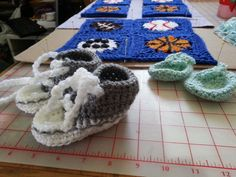 Baby Tennie shoes & Baby Mitts