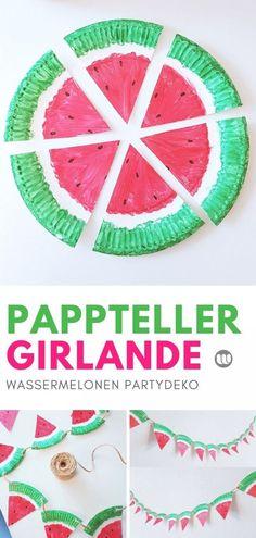 Fruchtige Wassermelonen Girlande aus Papptellern selber machen #Früchte #Pappteller #Basteln #Kinder #Bastelnmitkindern #Girlande #Party #Partydeko #selbermachen