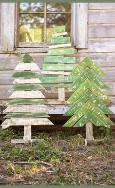 Wood Crafts - Kalalou Recycled Wooden Christmas Trees With Stands - Set Of 3 Pallet Tree, Pallet Christmas Tree, Rustic Christmas, Christmas Projects, Holiday Crafts, Christmas Diy, Christmas Ornaments, Christmas Trees, Christmas Music