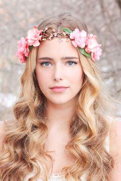 peachy floral hair crown woodland flower crown от serenitycrystal