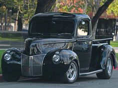 This 1940 Ford pickup received a restoration with aftermarket parts including a Billet steering wheel, electric windows, and leather door panels making it a Ford truck to remember - Custom Classic Trucks Magazine Ford Pickup Trucks, Car Ford, Chevy Trucks, Ford Obs, Lifted Trucks, Classic Trucks Magazine, Pickup Truck Accessories, Classic Ford Trucks, Chevy Classic