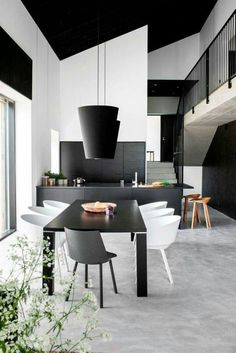 Interior Minimalista en Blanco y Negro - Ideas Casas Black And White Interior, White Interior Design, Interior Design Kitchen, Black White, Monochrome Interior, White Wood, Black And White Dining Room, Interior Shop, White Concrete