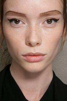 Prada ss15 beauty look | eyeliner | natural lips