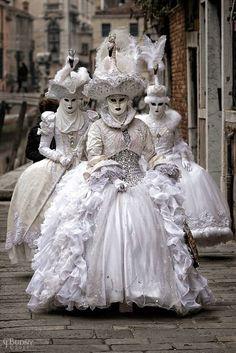 Karneval in Venedig 2017 carnevale venice 2017 Venetian Costumes, Venice Carnival Costumes, Venetian Carnival Masks, Carnival Of Venice, Venetian Masquerade, Masquerade Ball, Venice Carnivale, Venice Mask, Mode Rococo