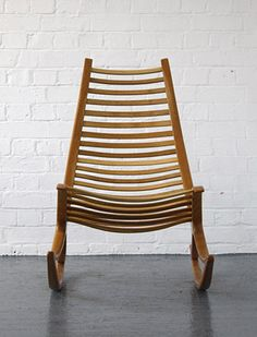 wishbone rocking chair designed by robin williams Funky Chairs, Cool Chairs, Modern Chairs, Rocking Chairs, Modern Armchair, Design Furniture, Chair Design, Cool Furniture, Modern Furniture