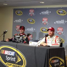 Both @Jeff Sheldon Sheldon Sheldon Gordon and @dale Earnhardt Jr. talk about their second and third-place qualifying results with media @MISpeedway. pic.twitter.com/ABgZJ6ynh7