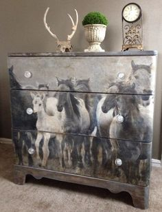 This old chest wasn't very fancy with it's layers of old paint.  I knew those simple lines and real wood was just what I needed to turn this old abandoned chest…