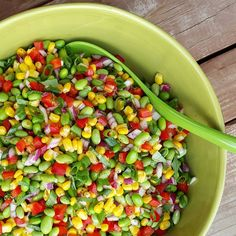 Edamame Summer BBQ Salad Recipe http://cleanfoodcrush.com/edamame-salad/