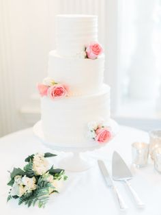Classic wedding cake: http://www.stylemepretty.com/2015/07/02/classically-romantic-culver-city-wedding/ | Photography: Honey Honey - http://www.hoooney.com/
