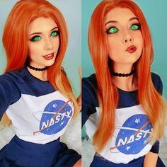 Koriand'r (Starfire) cosplay by MeggiiCosplay Dc Cosplay, Belle Cosplay, Anime Cosplay, Cute Cosplay, Amazing Cosplay, Cosplay Girls, Star Fire Cosplay, Teen Titans, Bikini Violet