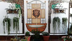 MI JARDÍN DE LAS HESPERIDES:    Mi fuente mural pintada a mano y decorada con...