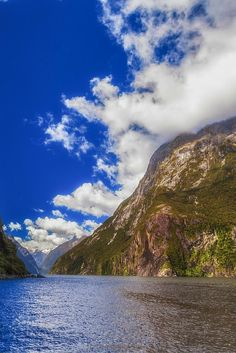 The mighty cliffs of Milford Sound, New Zealand    The Planet D Adventure Travel Blog: