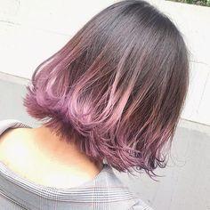 #モーベットピンクグラデーション×ボブ. .インスタフォロワーさん初ご来店✨鮮やかで艶やかな輝きのモーベットピンク✨透明感のあるデザインカラーボブ✨可愛く可愛い仕上がってめちゃくちゃ喜んでもらえて本当によかったです✌️😋..hair design is @kenjikunn1. Hair Dye Colors, Cool Hair Color, Pink Hair Tips, Hair Dyed Underneath, Silver Ombre Hair, Short Hair Hacks, Dye My Hair, Grunge Hair, Green Hair